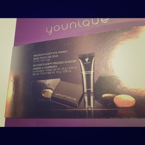 YOUNIQUE Black Friday bundle: Shadows & primer